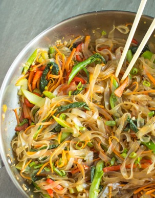 Vegetable-Stir-Fry-Mung-Bean-Noodles-2